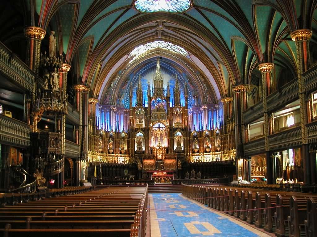 Beautiful-Interior-Of-Notre-Dame-de-Paris.jpg