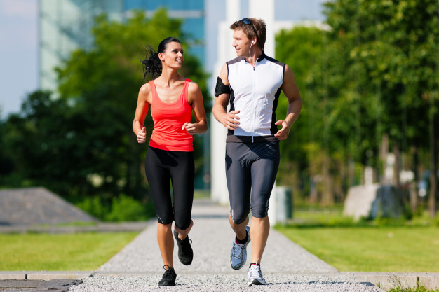 man-woman-jogging-fitness-city_79405-11854.jpg