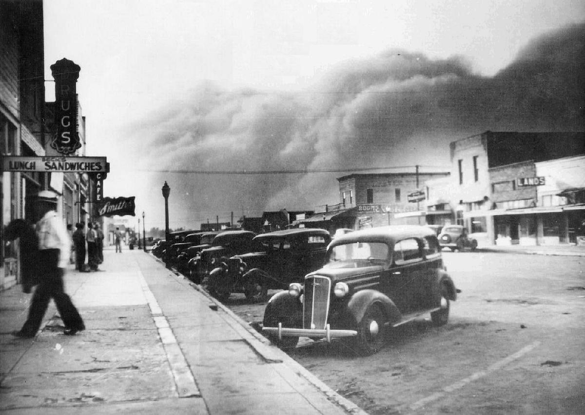 the effect of capitalism in the dust bowl and the great depression as depicted in the dust bowl by d The dust bowl: men, dirt, and depression the dust bowl, coinciding as it did with the great depression of the its effect on the lives of the people.